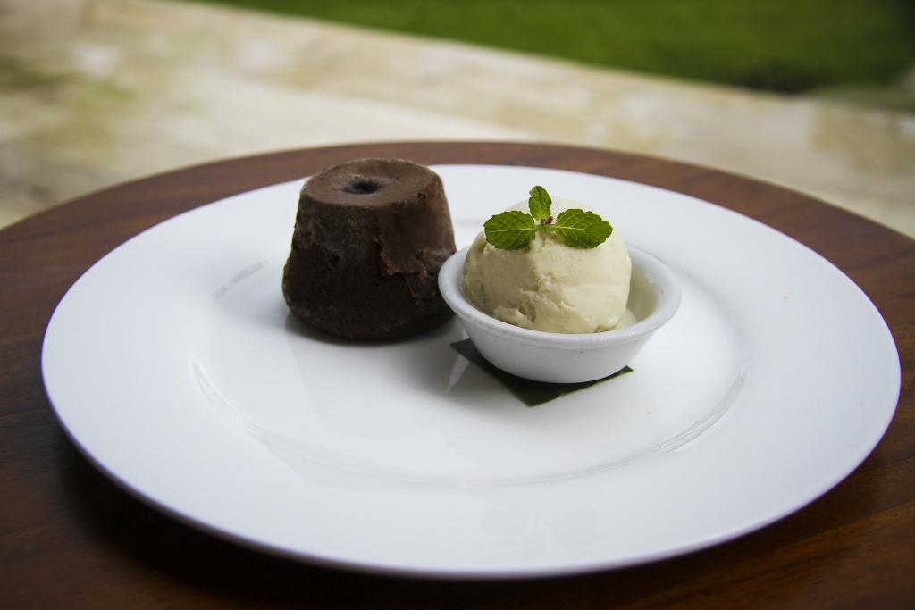美食探寻之旅:Natsawan Laemluang巧克力熔岩蛋糕