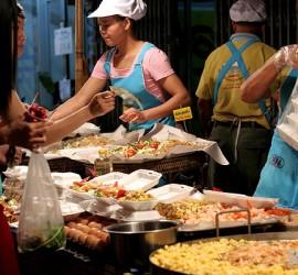 曼谷街头美食排行榜——五大美食、不容错过!安纳塔拉度假会