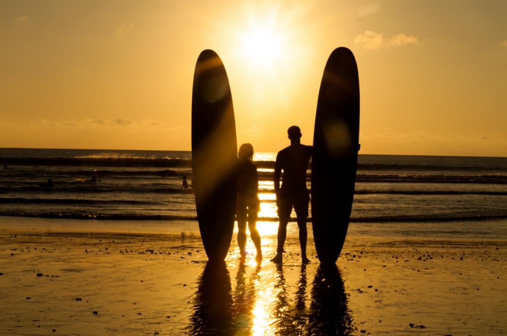 surfers_in_Bali