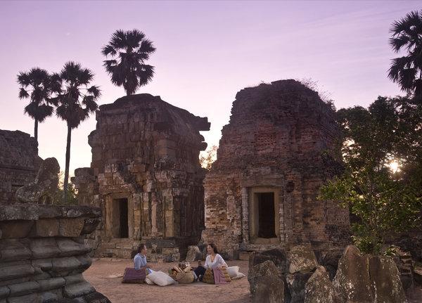 Sunrise Breakfast in Angkor Wat