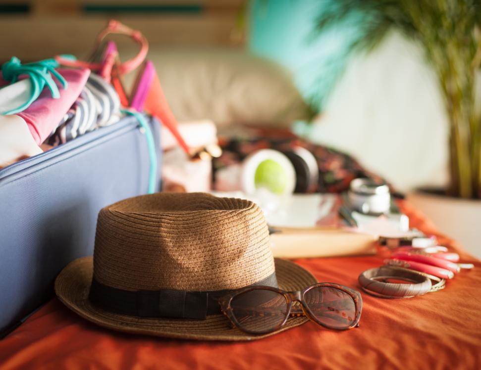 家庭旅行打包忙:该用行李箱还是背包呢?