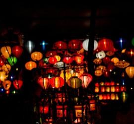 Lanterns_in_town